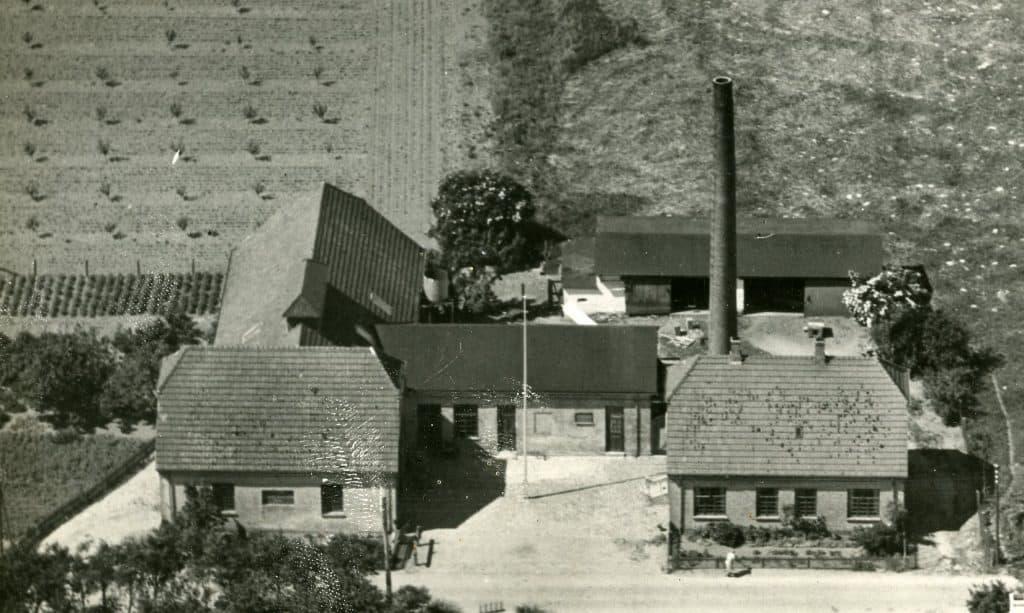 Luftfoto af Femø Mejeri 1950